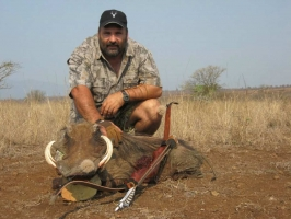 LAMMIE POTGEITER, Dare to Bowhunt, South Africa