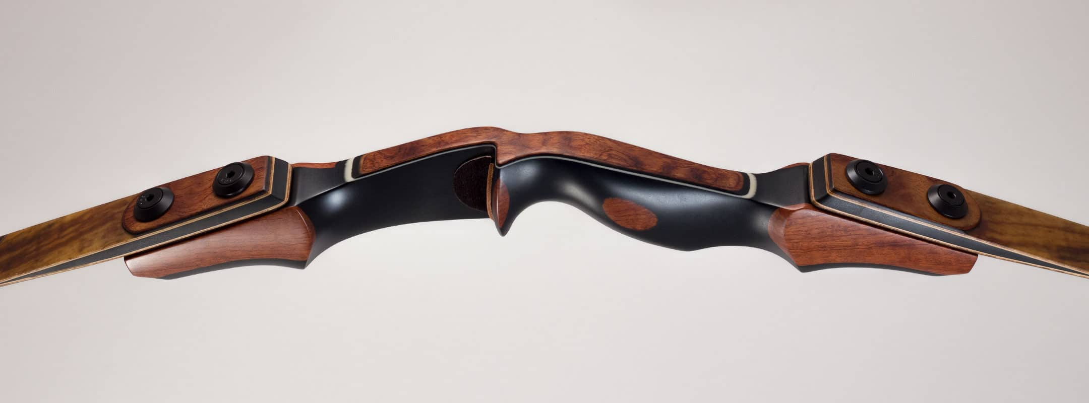 Bow handle of handcrafted recurve bow